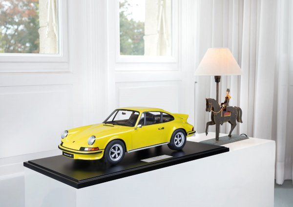 Porsche Carrera RS 2.7 Touring 1973 Minichamps 1:8 1-99/99